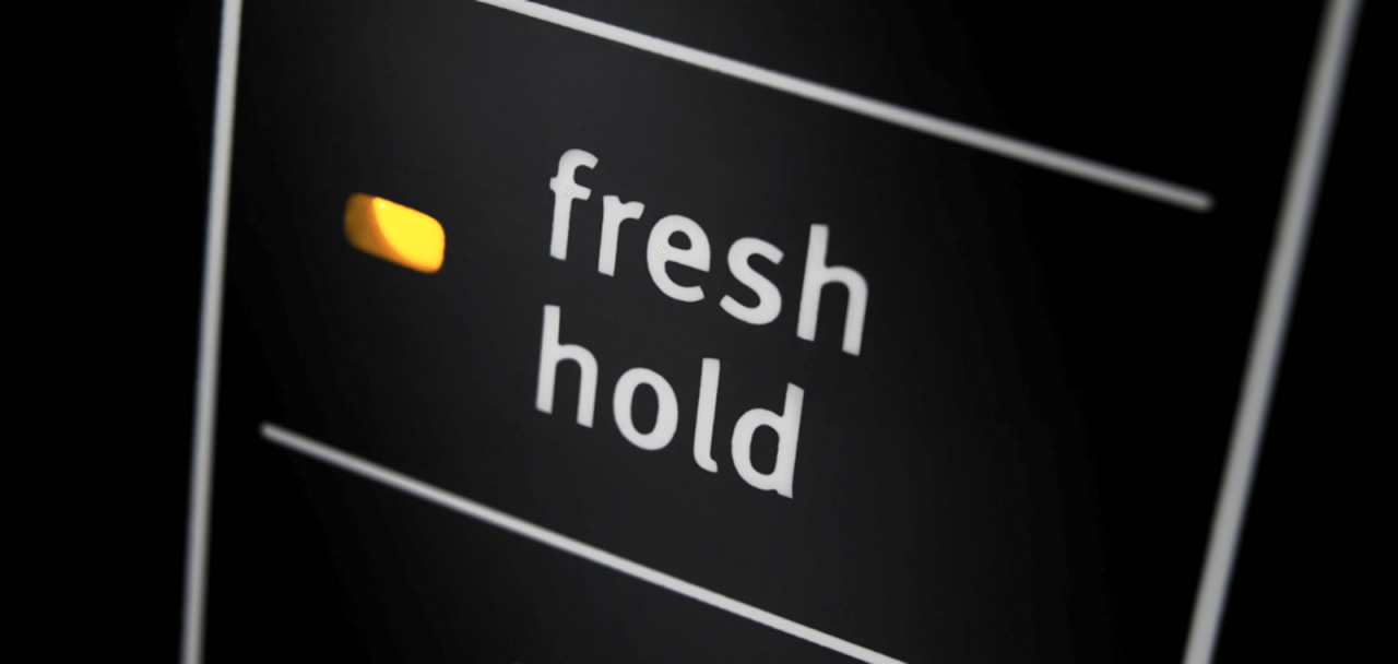 Clothes Stay Fresh with the Fresh Hold® Option